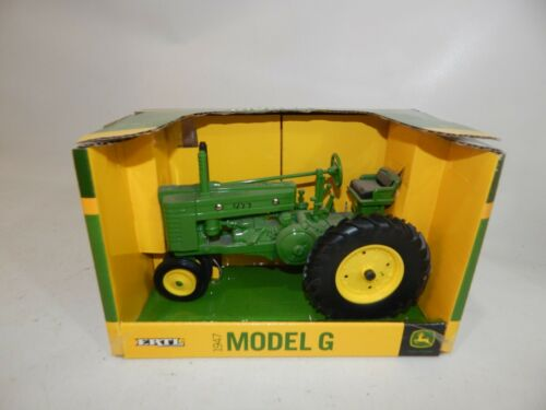John Deere 1947 Model G Tractor 45287 1:16 ERTL Die Cast Metal Green