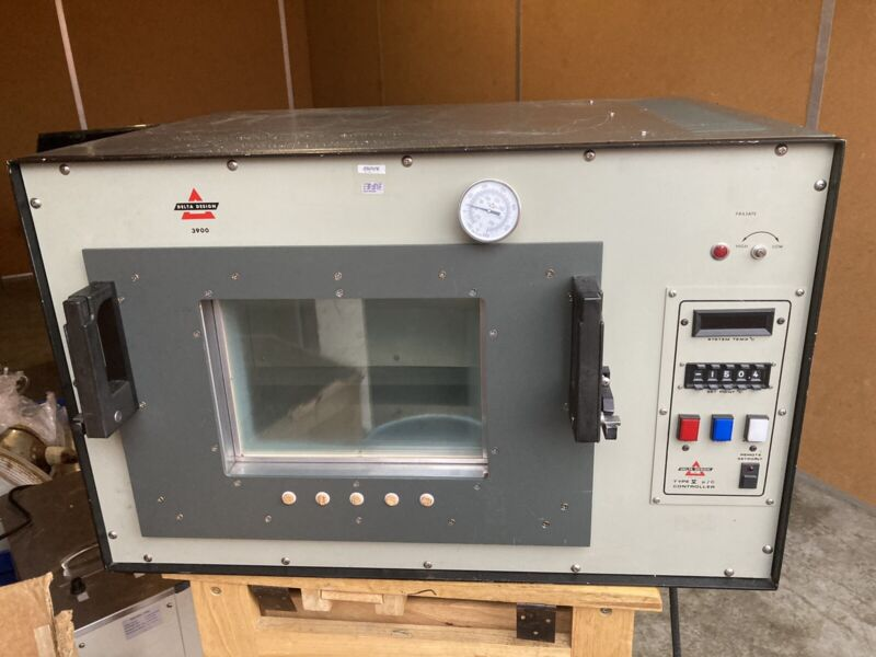 Delta Design 3900CL Environmental Test Chamber 120VAC 1800W