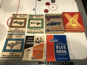 Vintage GM trailing books and catalogs