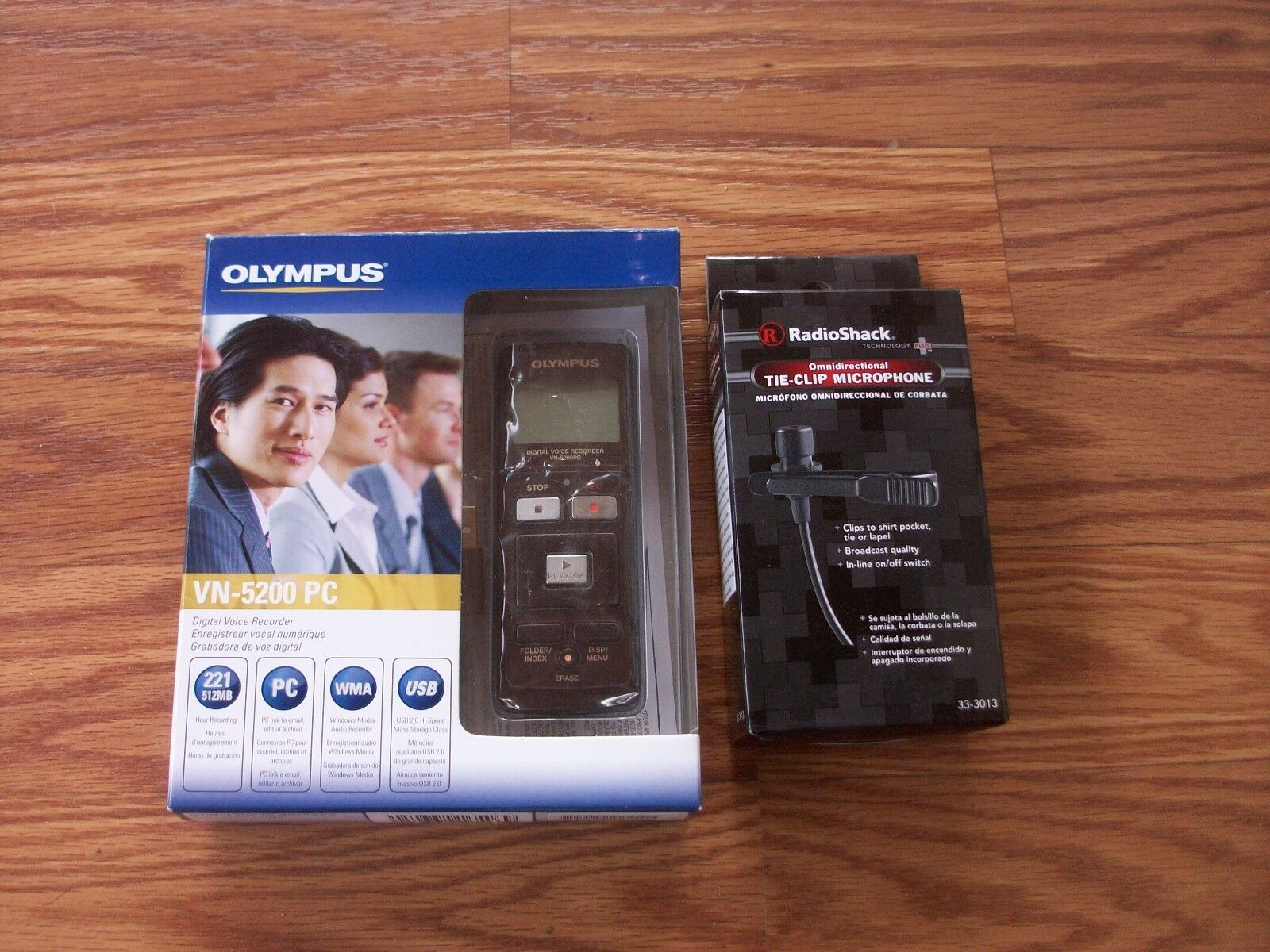 Voice Recorder - OLYMPUS - WITH TIE CLIP MICROPHONE - NEW