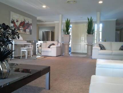 Lakeside Mansion Sippy Downs Maroochydore Area Preview