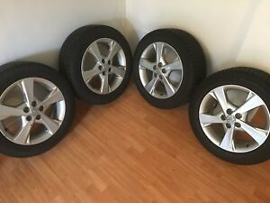 Reduced price: Michelin X-Ice3 tires on alloy rims! (Toyota)