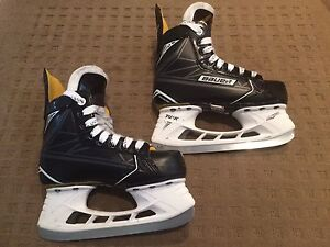 Bauer S170 Junior Size 1D Hockey Skates.  Like New!!