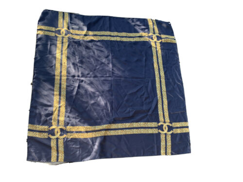 Superbe  carre foulard chanel marine