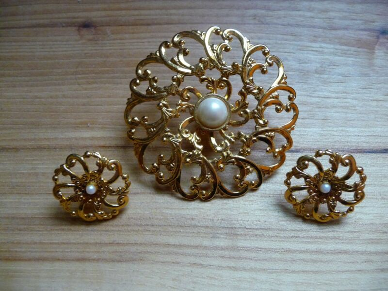 Avon Goldtone with Faux Pearl Pin and Post Earrings Set