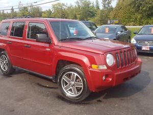 2008 Jeep Patriot 5spd 4x4 safetied Sport