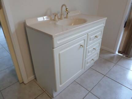 Bathroom Vanity 900 mm Castle Hill The Hills District Preview