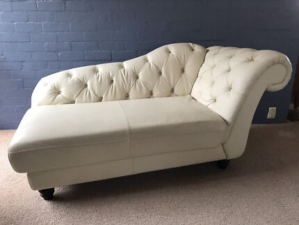 Stunning as new cream leather chaise chesterfield style sofa