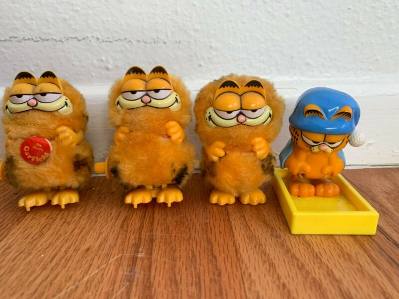 4 Vintage Furry Garfield Wind Up Toys, 3 work well