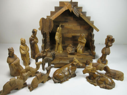 Vintage Hand Carved Wood Christmas Nativity Scene Creche Manger 18 Piece Set