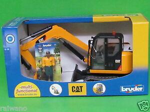 Bruder 02466 Cat Minibagger mit Bauarbeiter - Neuheit 2016 Blitzversand per DHL