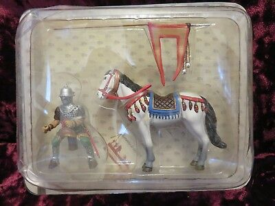 - Frontline Mounted Medieval Mounted Knight Crusader on Horse Riding with Flag #35
