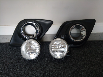 Hilux sr5 2016 fog lights and surrounds