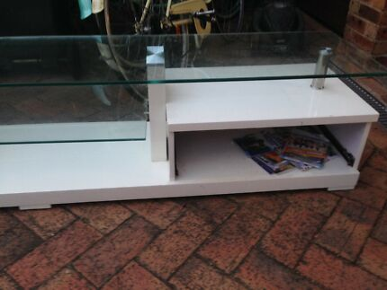 TV unit white with drawers
