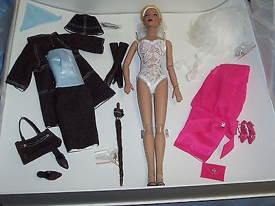 robert tonner tyler wentworth regina doll set ufdc 2005 convention special
