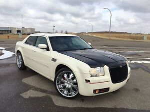 For sale chrysler 300 limited in good shape 2007 3.5