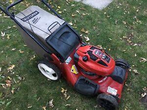 Lawnmower for parts Craftsman 6.75 HP Tondeuse pour pièce