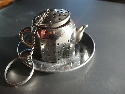 TEAPOT TEA STRAINER WITH STAND OR CHRISTMAS ORNAMENT