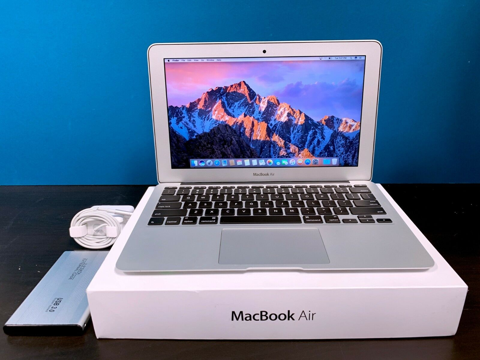 "ULTIMATE 11"" Apple MacBook Air / 1.4GHz / 128GB+ SSD Storage / 3YR Warranty!"