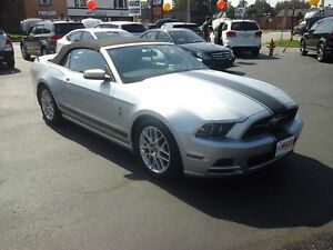 2014 FORD MUSTANG V6 CONVERTIBLE- LEATHER HEATED SEATS, NAVIGATI