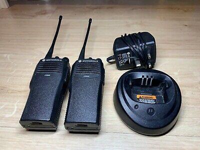 Motorola CP040 UHF Two-Way Radios/Walkie Talkies w/Charger