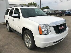 2012 GMC Yukon SLT 3rd Row | Power Sunroof | Keyless Remote