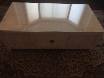 White wash timber coffee table