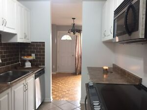 Renting beautiful 4 bedroom townhouse in Carson Grove