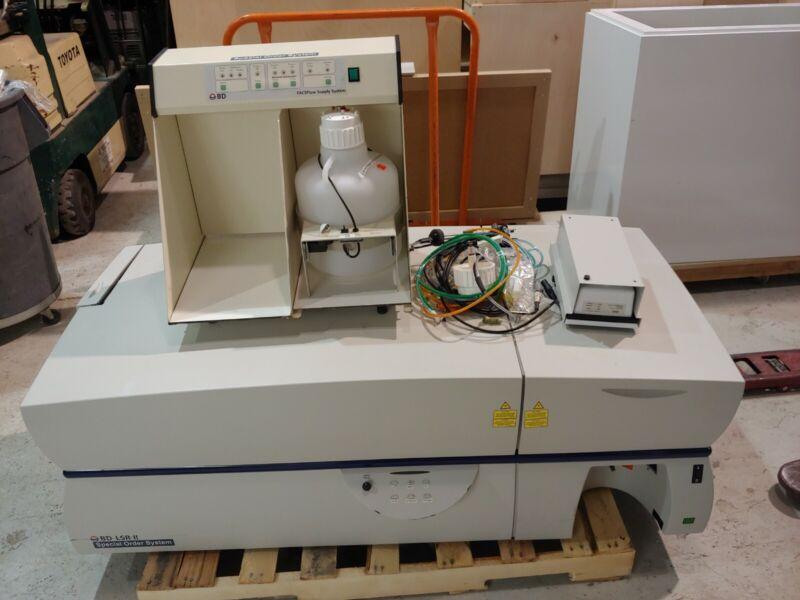 BD Becton Dickinson LSR II Flow Cytometer Special Order System & FACSFlow #2