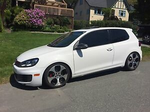 2010 VW GTI 2 door White Low km $19,500