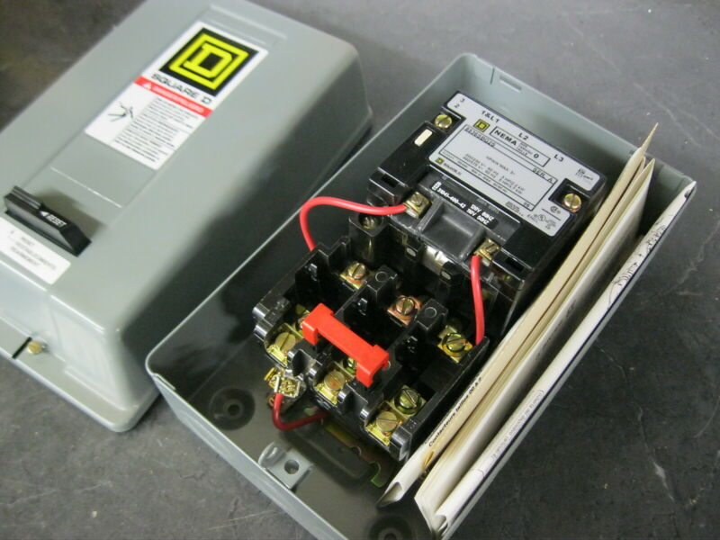 Square D 8536SBG2 3 Pole 5 hp Size 0 Motor Starter w/ 120v coil with enclosure