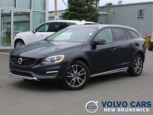 2015 Volvo V60 T5 CROSS COUNTRY   SUNROOF   HEATED LEATHER