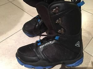 Firefly snowboard boots, junior size 5
