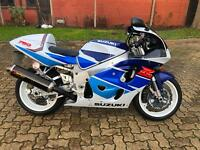 Suzuki GSXR by Fast Lane Motorcycles, Tonbridge, Kent