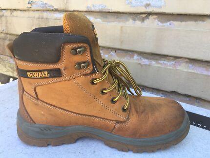 Dewalt honey totanium steel cap boots