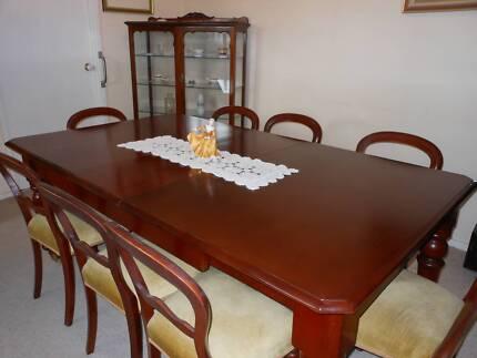 Elegant Dinning Room Furniture