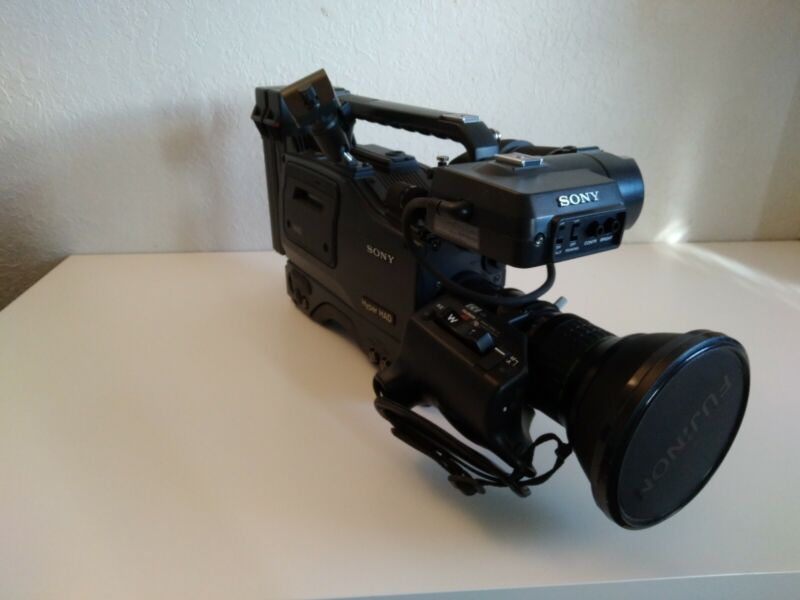 Sony EVW-300 Hi8 Camcorder HyperHAD w/ Porta Brace Carrying Bag - Mint Condition