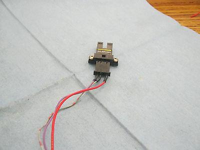 Omron Type Ee-spyx301 Light-on Optical Sensor Switch