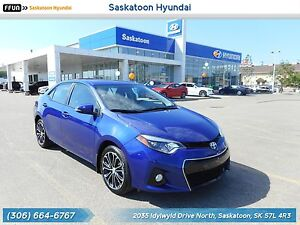 2015 Toyota Corolla S 6 Speed Manual - Command Start - Sunroof