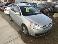 2009 HYUNDAI ACCENT 2DR HATCHBACK ONLY $3800.00 CERT . London Ontario Preview