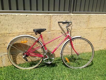 Ladies vintage bike  Baldivis Rockingham Area Preview