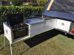 2009 Customline Deluxe 3 Room 4WD Off-road Camper Trailer. Dee Why Manly Area Preview