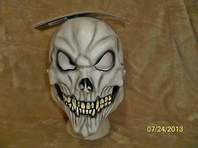 CHILD SKULL LATEX OVER THE HEAD MASK HALLOWEEN SCARY COSTUME TB25402](Kids Skull Mask)