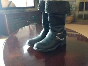 Steve Madden leather boots, size 5