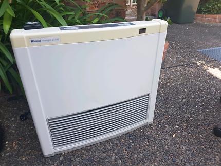 RINNAI Gas Heater (used) - Avenger 25TRE  Capella 18TRE Unflued R