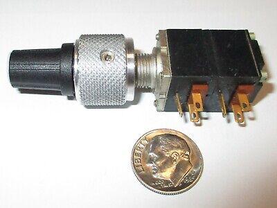 ".70/"" Diameter 1//4/"" Shaft Knob w// Indicator Dot Raytheon TSF70-2BD-2 3x"
