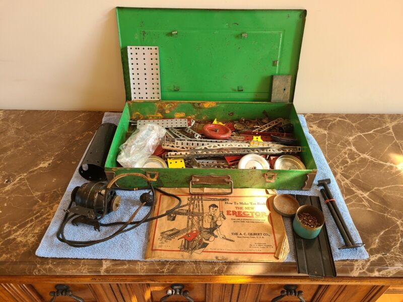 ~ Vintage 1934 Green The New Erector Set A.C. Gilbert in Metal Case Construction
