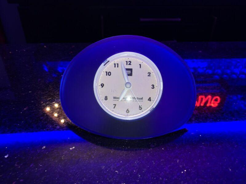 Banking Vintage Bankrupt Washington Mutual now chase Bank working Clock.
