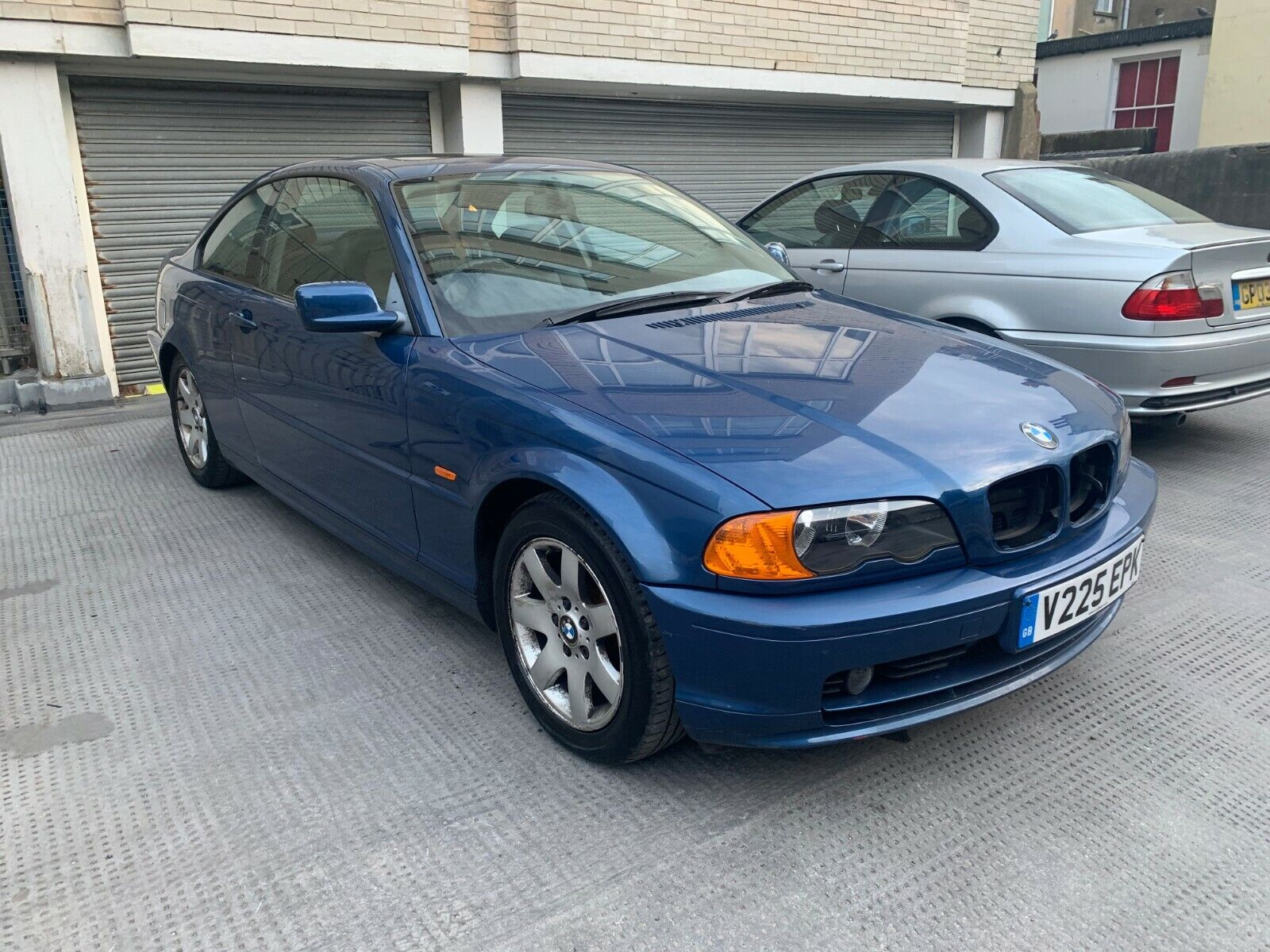 Low-millage-68k-BMW-3-Series-318-Coupe-Blue-Petrol-Automatic