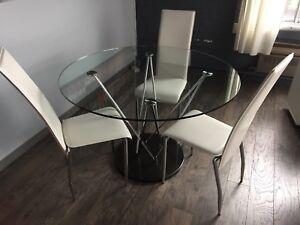 Table de cuisine ronde ou de reunion